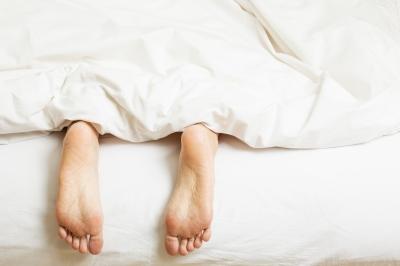 Niedobór, zaburzenia lub brak snu